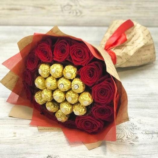 Букет с розами и конфетами