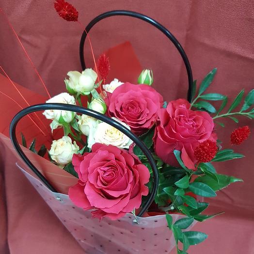 Букетик в сумочке: букеты цветов на заказ Flowwow