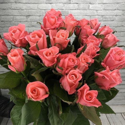 Букет из сочных розовых роз: букеты цветов на заказ Flowwow
