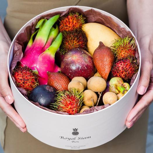 Шляпная коробка с фруктами Royal Grand Petite