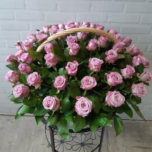 Прелестная корзина роз
