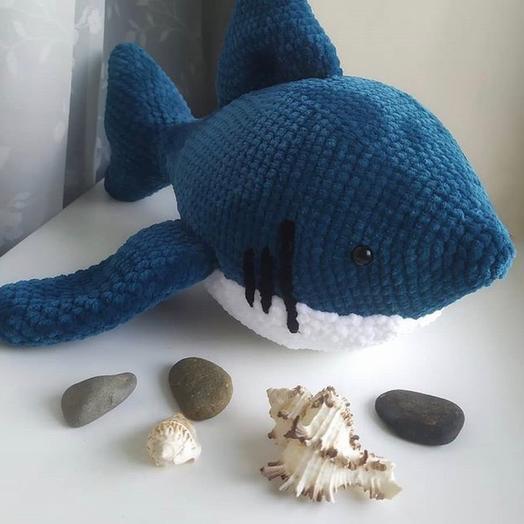 Акула ручной работы из пряжи