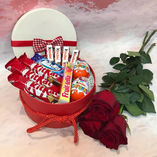 Gift set sweets and roses