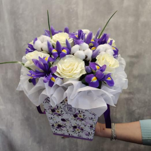 Цветы в коробке «Бабочки ириса»