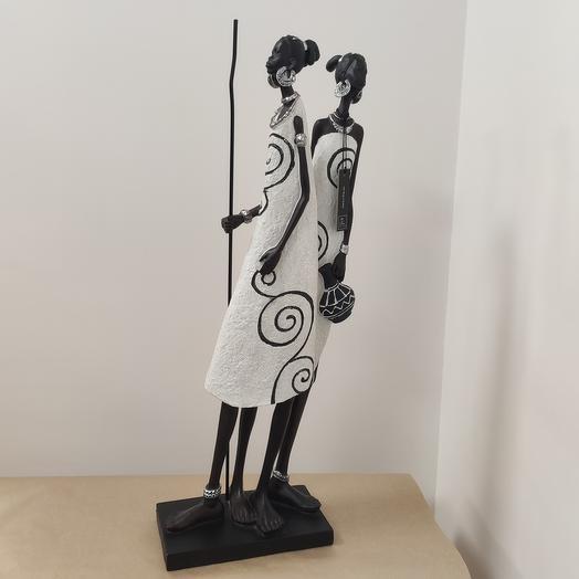 Статуэтка африканки с кувшином