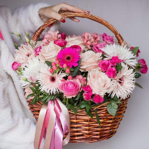 Бело-розовая корзинка