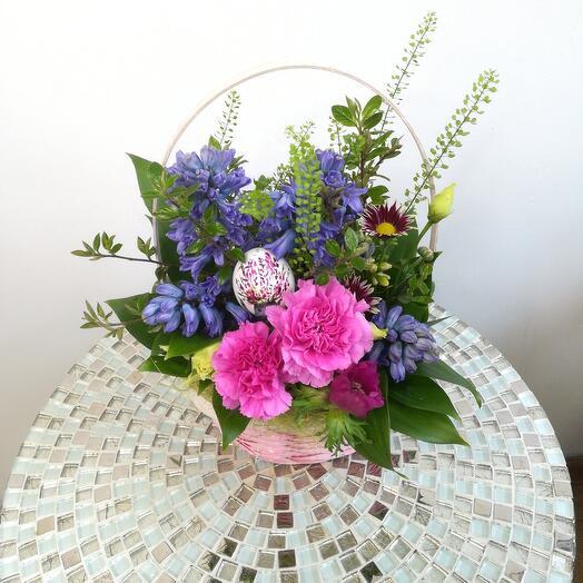 Корзина с цветами Весна