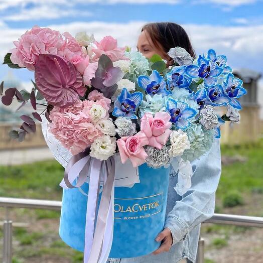 Цветы в коробке Olacvetok