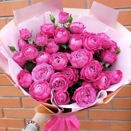 Пионовидная роза букет