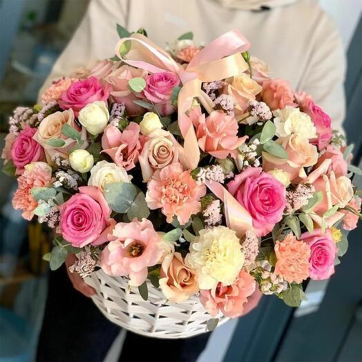 "Корзина с цветами ""Сад любви !"""