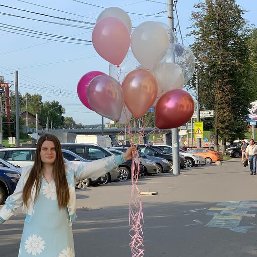 Связка шаров в бело-розовой гамме