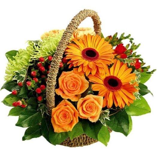 Корзина Сочные оттенки осени Код 170062: букеты цветов на заказ Flowwow