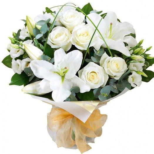 Букет из лилий и белых роз Ваниль: букеты цветов на заказ Flowwow