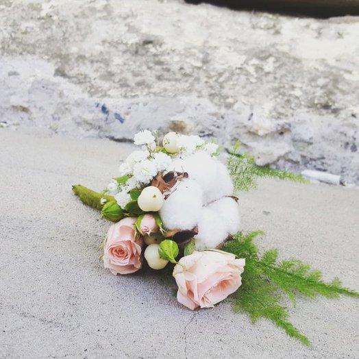 Малютка бутоньерка: букеты цветов на заказ Flowwow