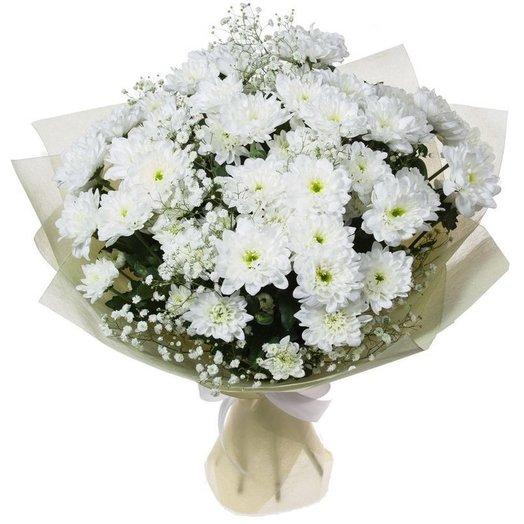 7 белых кустовых хризантем с гипсофилой. Код 180039