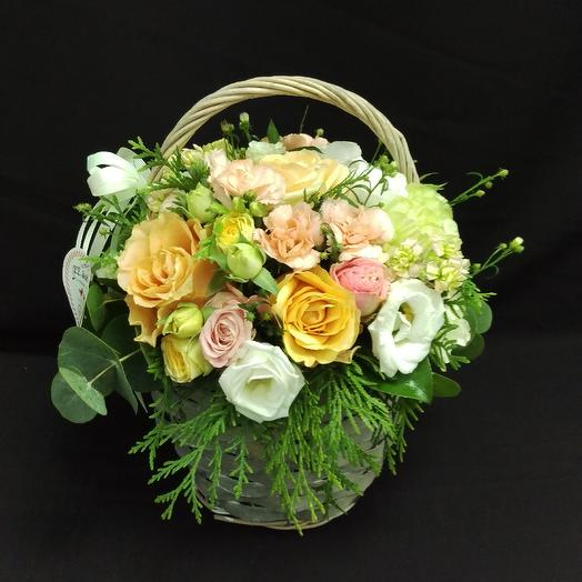 Летняя корзинка: букеты цветов на заказ Flowwow