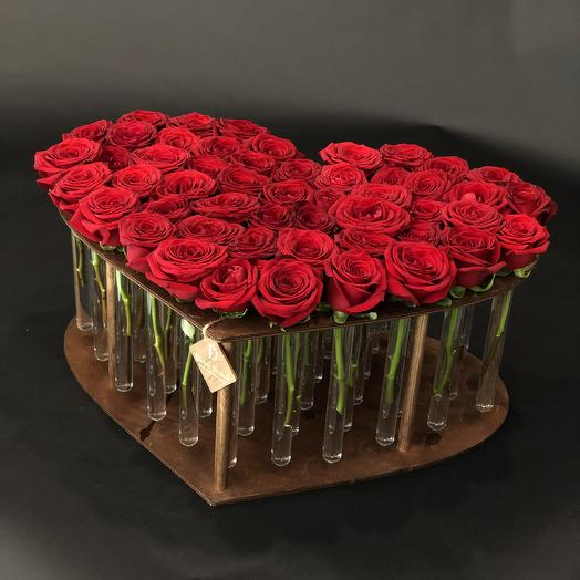 Розы в колбе