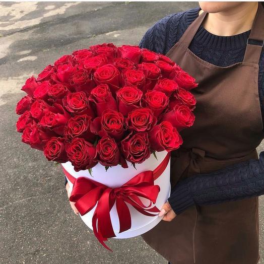 """51 красная роза в шляпной коробке """"Сюрприз жене"""": букеты цветов на заказ Flowwow"""