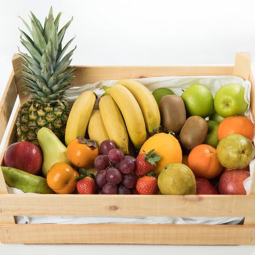Ящик с фруктами: букеты цветов на заказ Flowwow