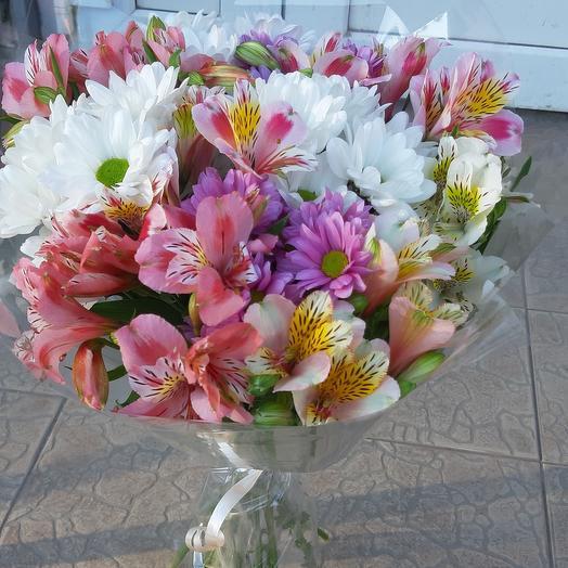 Альстромерия и хризантема