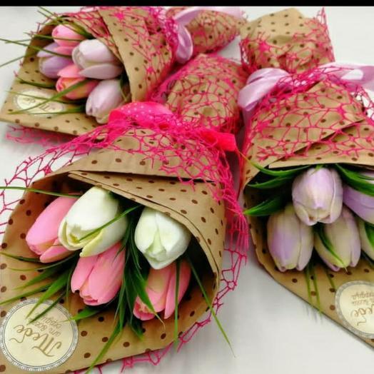 Мини букетик из 5 тюльпанов