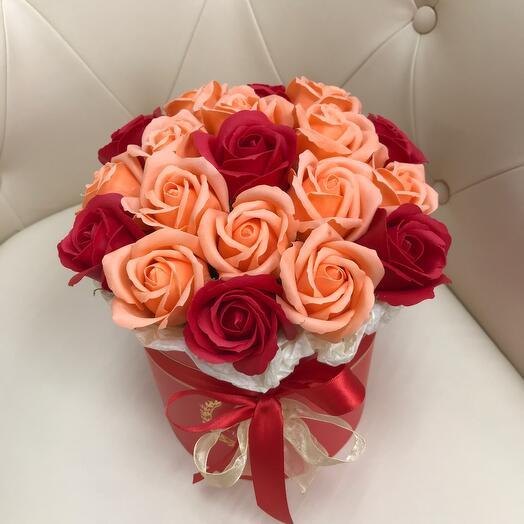 Коробка с розами из мыла