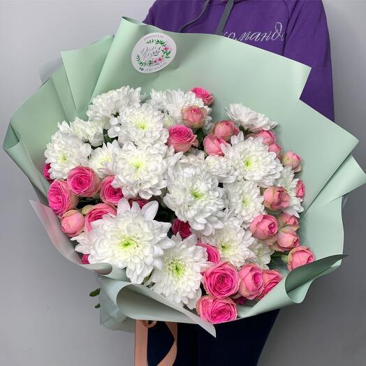 Дуо букет кустовые розы + хризантемы
