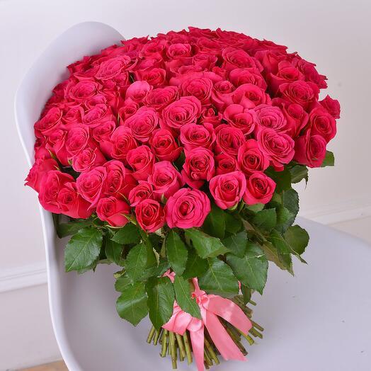 Букет из 101 малиновой розы