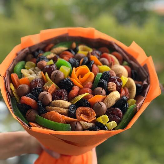 Букет с сухофруктами и орехами
