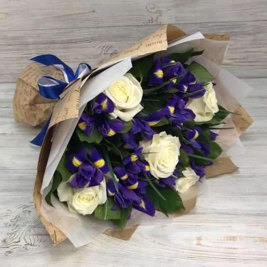 Ирисы, Розы. N51: букеты цветов на заказ Flowwow
