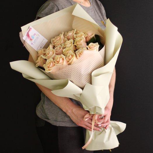 19 роз Талеи: букеты цветов на заказ Flowwow