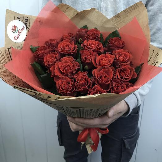 Букет из 19 Алых роз «Эльторо»: букеты цветов на заказ Flowwow