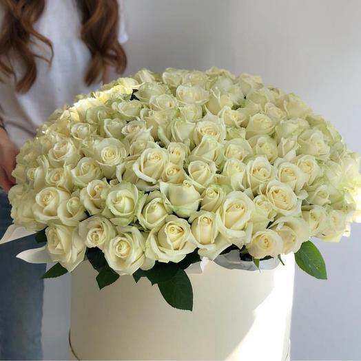 101 роза в коробке: букеты цветов на заказ Flowwow