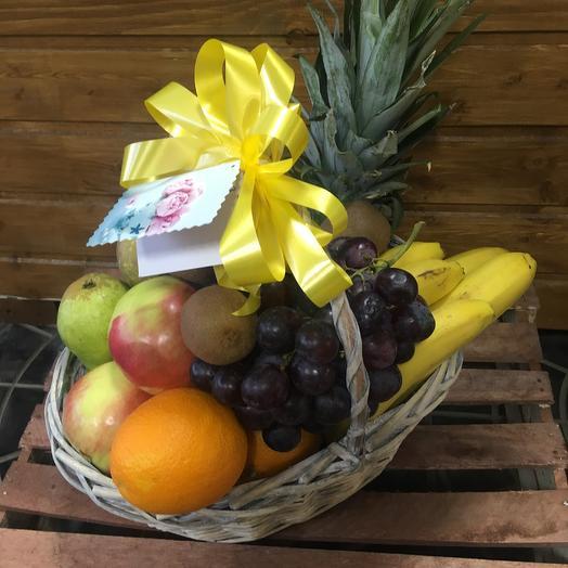 Корзинка витаминов: букеты цветов на заказ Flowwow