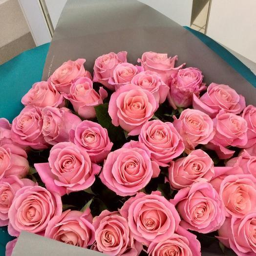 Букет из 25 нежных роз (70см)