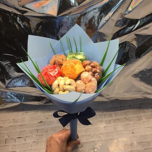 Букет с орехами и сухофруктами: букеты цветов на заказ Flowwow