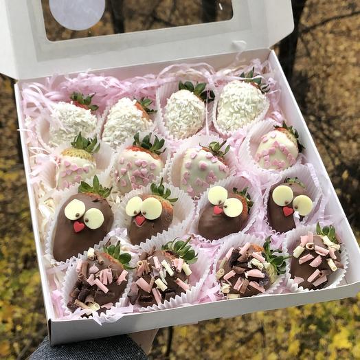 Клубничка «Совушка»: букеты цветов на заказ Flowwow
