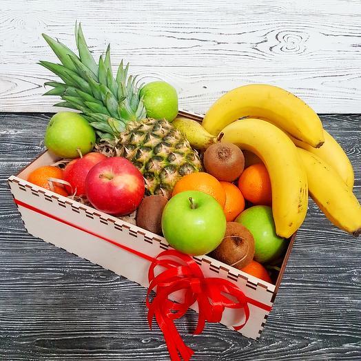 Большой ящик с фруктами: букеты цветов на заказ Flowwow