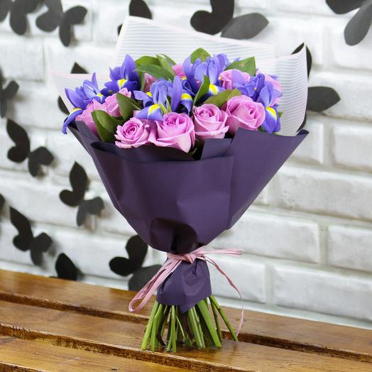 Букет Розовых роз и Синих ирисов: букеты цветов на заказ Flowwow