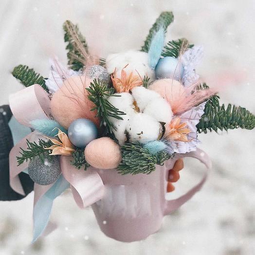 Новогодняя кружка: букеты цветов на заказ Flowwow