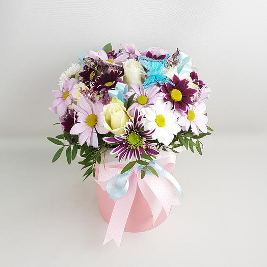 Шляпная коробка с ромашками: букеты цветов на заказ Flowwow