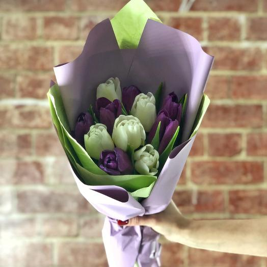 Бело-фиолетовый микс (11 тюльпанов)