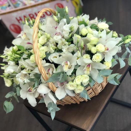 Корзина с цветами премиум