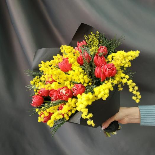 """Букет """"Мимоза с тюльпанами"""""""