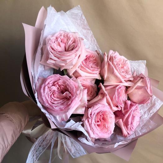 Букет из розовых пионовидных роз