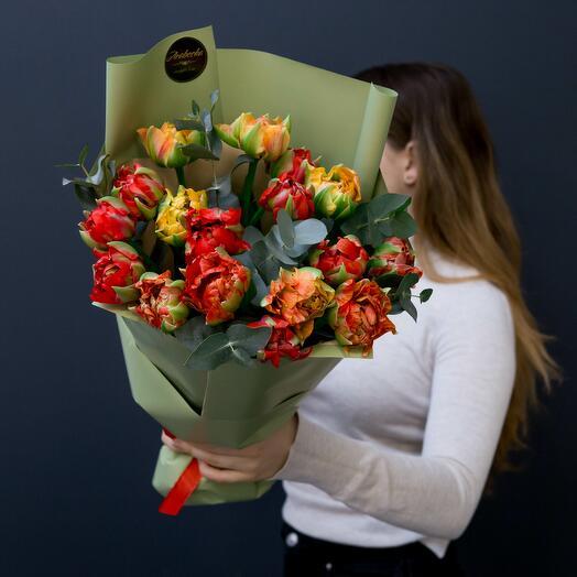 Тюльпаны Гудошник и эвкалипт