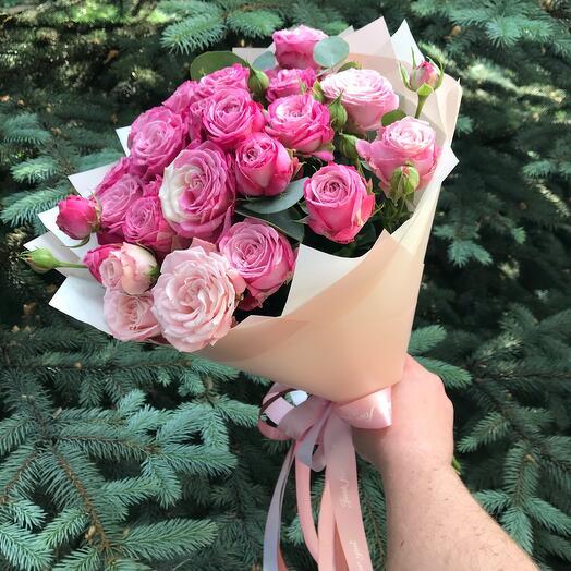 9 Кустовых Пионовидных роз Бомбастик