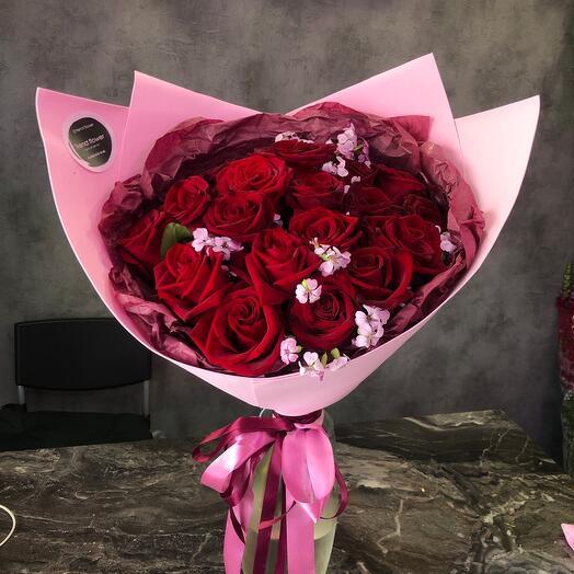 Розы красные страсть