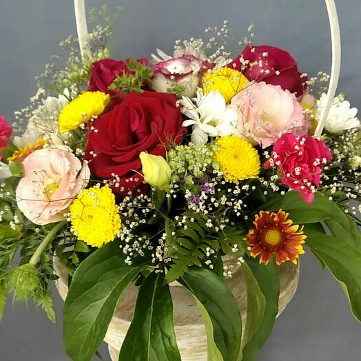 Корзина с цветами Лимончело