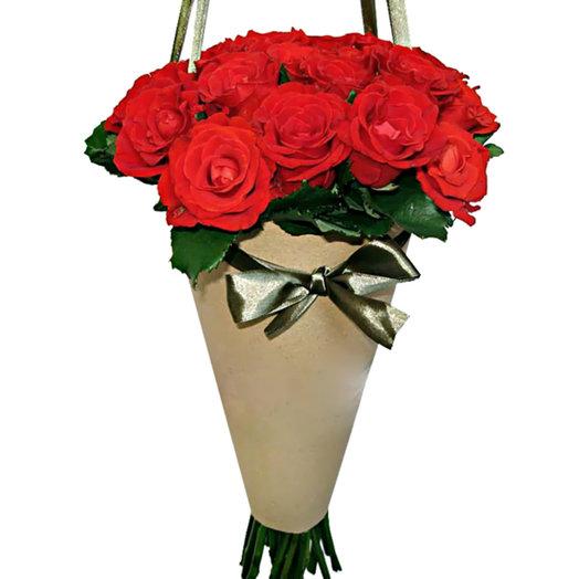 Букет из роз Рубиновые слезы: букеты цветов на заказ Flowwow